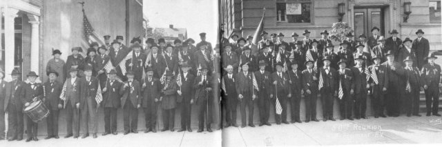 Surviving members of the 47th Pennsylvania Volunteers photographed in front of the Odd Fellows Hall at their 1923 reunion in Allentown, Pennsylvania (public domain).