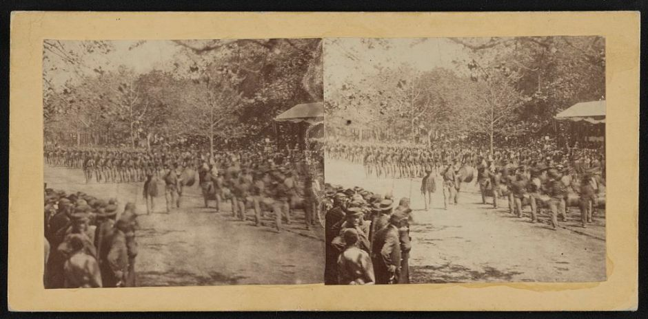 Unidentified Regiment Passes Presidential Reviewing Stand, Grand Review of the Armies, 23-24 May 1864. (Matthew Brady, Library of Congress, public domain)