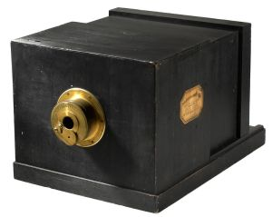 Example of a daguerreotype camera in use during the photography years of William H. Burger. (Built in 1839 by La Maison Susse Frères with lens by Charles Chevalier, public domain.)